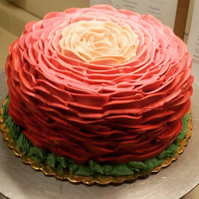 fancy cake Saskatoon