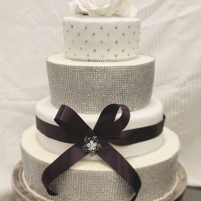 Wedding-cake-Saskatoon-Saskatchewan