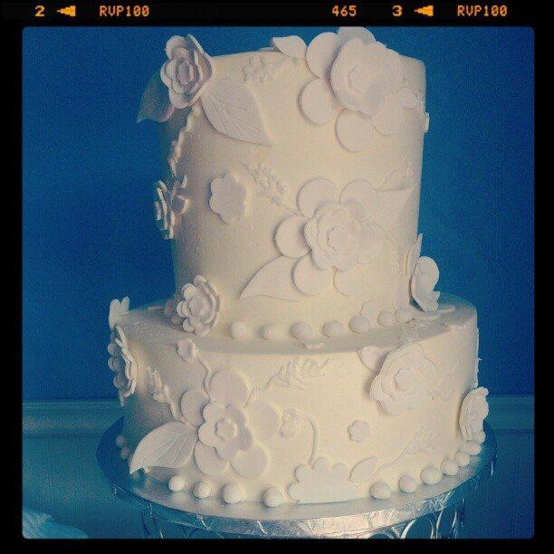authentic wedding cake Saskatoon
