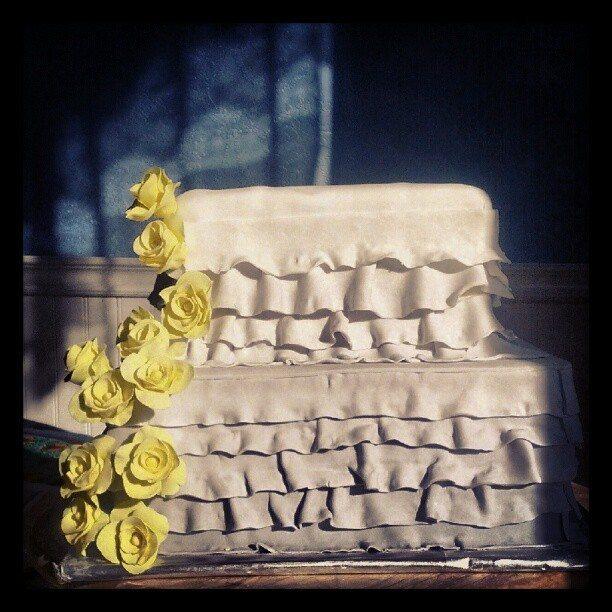 awesome wedding cakes Saskatoon