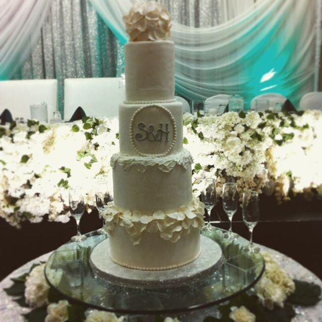 great wedding cake saskatoon