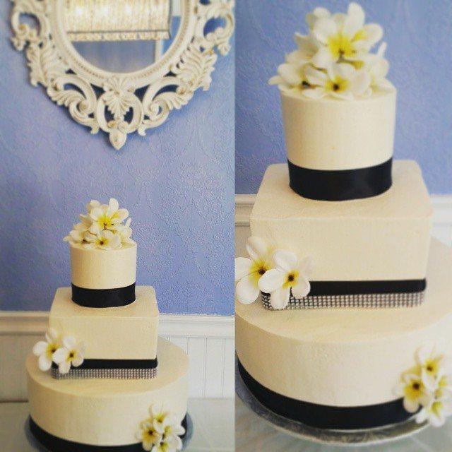 summer wedding cake saskatoon
