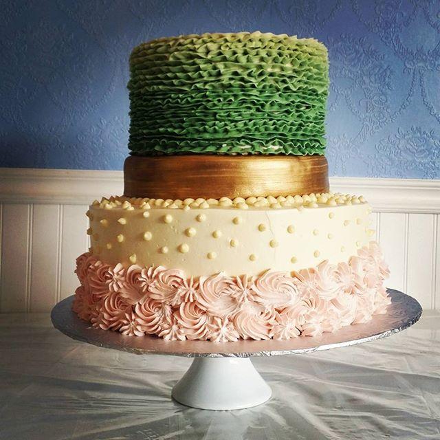 unique wedding cakes Saskatoon